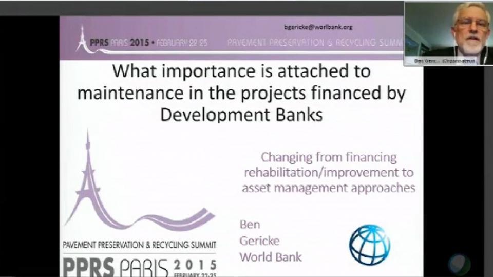 ¿Qué importancia se le da al mantenimiento en los proyectos financiados por los bancos de desarrollo?