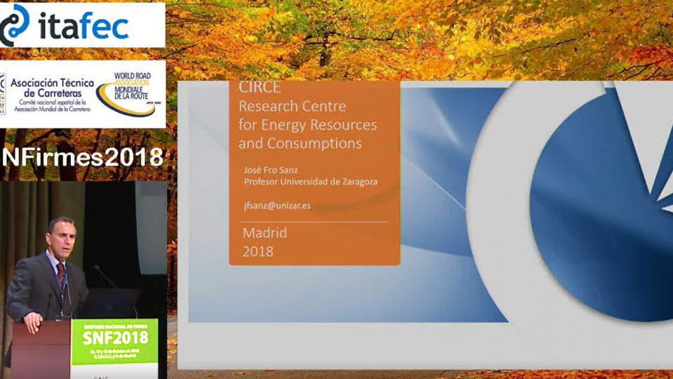 Integración de energías renovables y desarrollo de sistemas de carga para vehículos eléctricos.